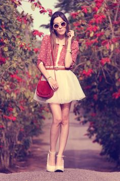 http://fashioncoolture.com.br/2012/11/08/look-du-jour-romances-sans-paroles/#