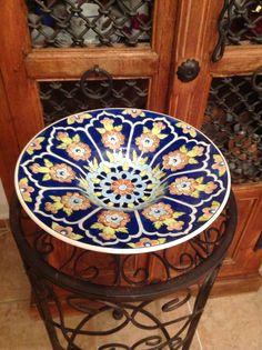 By Nilgün Erdoğan tondino – Kitchenware Ideas Ceramic Tile Art, Ottoman Design, Glazed Tiles, Antique Pottery, Plates And Bowls, Porcelain Ceramics, Arabesque, African Art, Wood Art