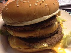 メガマック食べてみた Hamburger, Ethnic Recipes, Kitchen, Food, Cuisine, Hamburgers, Kitchens, Burgers, Meals