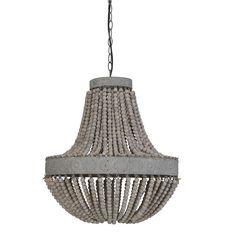 We waren spontaan verliefd op deze prachtige hanglamp! De hanglamp luna bestaat uit twee lichtgrijze metalen randen, met hierin een lichte structuur. De lamp heeft een metalen ketting en prachtige whitewash houten kralen, die aan elkaar geregen zijn met jute touw. De hanglamp heeft een hoogte van 63cm en een diameter van 51cm. Deze mooie kroonluchter met kralen is afkomstig van het merk Light & Living.