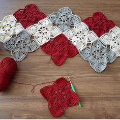 Social media advertising techniques for interior designers - Crochet Filet Filet Crochet, Crochet Patterns Filet, Granny Square Crochet Pattern, Crochet Squares, Crochet Motif, Crochet Doilies, Crochet Flowers, Crochet Stitches, Knitting Patterns