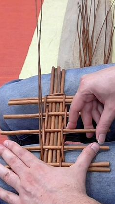 Paper Basket Weaving, Willow Weaving, Handmade Crafts, Diy And Crafts, Fabric Covered Boxes, Rope Basket, Newspaper Crafts, Weaving Projects, Loom Weaving