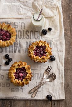 mini pie tarts