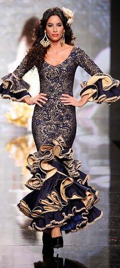 Adrián González, Simof 2014 Flamenco Costume, Flamenco Skirt, Flamenco Dancers, Flamenco Dresses, Flamenco Wedding, Spanish Dress, Mode Costume, Spanish Fashion, Haute Couture Dresses
