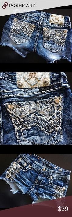 Miss Me Denim Shorts Retail Price 155.00 Miss Me  Style: Denim Shorts  Size: 25 Materials: 98% cotton 2% elastase  Designed in USA made in China  Retail price: 155.00 Excellent condition looks new no rips no stains Miss Me Shorts Jean Shorts