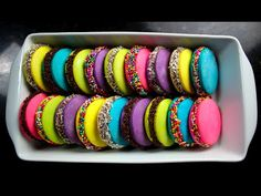 Macarons, Little Brown, Dessert Bars, Diy Food, Tray Bakes, Cake Pops, Sweet Recipes, Bakery, Candy