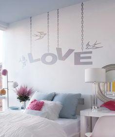"""Pájaros y Amor """"LOVE"""" - Vinilo Adhesivo, decoración de paredes. $69.900 COP. Encuentra más vinilos adhesivos en www.giferent.com/vinilos-decorativos-adhesivos"""