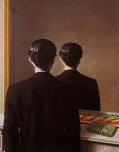 """""""Prohibida la Reproducción"""" - Un personaje se mira en el espejo, el cual de forma desconcertante no le devuelve el reflejo de su rostro, sino la imagen duplicada  de su parte posterior, un juego visual  donde la identidad del retratado queda oculta.  Hay un libro  que descansa sobre la repisa de la chimenea, la novela es un ejemplar en francés de """"la narración de Arthur Gordon Pym"""" de Edgar Alan Poe, cuyas macabras historias fueron de gran influencia entre los surrealistas, reflejandose."""