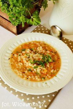 Zupa pomidorowa z pęczakiem