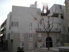 Arquitecto: Josep Llinás Dirección: Pza. del Ayuntamiento, s/n Ciudad: Vilaseca (Tarragona-Catalunya) País: España, Europa