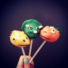 Dinosaur cake pops Plus Dinosaur Birthday Party, 5th Birthday, Birthday Ideas, Birthday Parties, Dinosaur Cake Pops, Dinasour Cake, Kid Picks, Pop Characters, Alonso