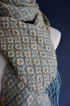 camel scarf weaving pattern