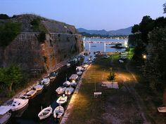 Κέρκυρα Αξιοθέατα, Παλαιό Φρούριο της Κέρκυρας | travelovergreece Greece Travel, Mount Rushmore, Istanbul, Vacation, Mountains, History, Water, Gripe Water, Vacations