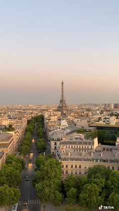 City Aesthetic, Travel Aesthetic, Living In Europe, Moving To Paris, Dream City, Beautiful Places To Travel, Dream Vacations, Aesthetic Pictures, Paris Skyline