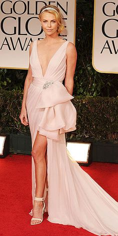 Charlize Theron #goldenglobes