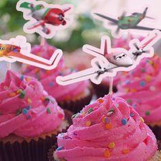 Planes Party Planning Ideas - from cupcakes to games and activities.