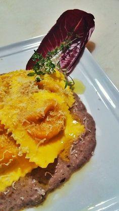 La Tavernetta Sicula: Tortelli con ripieno di zucca rossa su una crema di radicchio e monte veronese sfumata al ripasso valpolicella #tortelli #radicchio #pastafresca #latavernettasicula