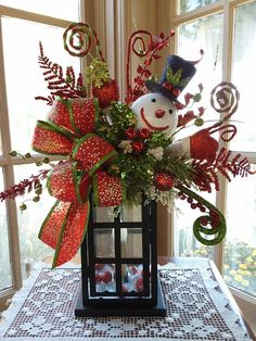 Cheap and Easy Dollar Store Christmas Decorating Ideas – Winter Scene Lantern . - Cheap and Easy Dollar Store Christmas Decorating Ideas – Winter Scene Lantern Christmas Table Centerpieces, Christmas Arrangements, Xmas Decorations, Decoration Crafts, Christmas Tables, Homemade Decorations, Christmas Decorations For The Home, Holiday Tables, Rustic Christmas