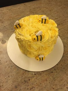 Bee smash cake floral bumble bee