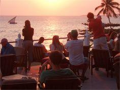 The Africa House, un meraviglioso tramonto da godere in compagnia di tanti amici single!
