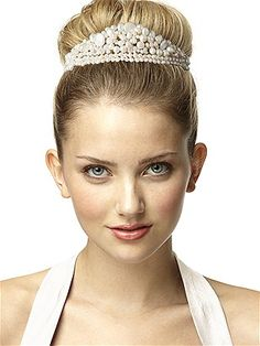 #wedding #jewelry #tiara #pearls