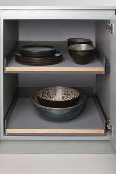 Extendo pull-out shelf - peka Dog Bowls, Shelf, The Unit, Base, Tableware, Shelving, Dinnerware, Tablewares, Shelving Units