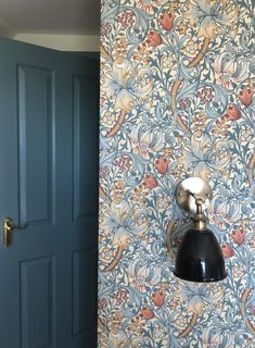 FB Oval Room Blue on woodwork, FB Pointing on walls, Morris Co Golden Lily wallpaper ¦ Farrow Ball Inspiration William Morris Wallpaper, Morris Wallpapers, William Morris Tapet, Lily Wallpaper, Home Wallpaper, Feature Wallpaper, Home Bedroom, Bedroom Decor, Oval Room Blue
