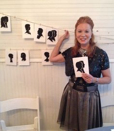 Elegant! Amazing! The icing on the cake! Incredible!  These are the words used by the guests at a recent wedding in the hill country, where silhouette art master, Cindi Harwood Rose was procured as the evening's highlight.