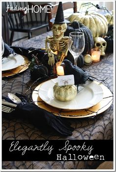 Make your Halloween party even more eventful with the best Halloween Table Decoration ideas. Here are the best Halloween tablescapes your your inspiration. Spooky Halloween, Table Halloween, Halloween Table Settings, Halloween Table Decorations, Fete Halloween, Halloween Dinner, Holidays Halloween, Halloween Treats, Happy Halloween