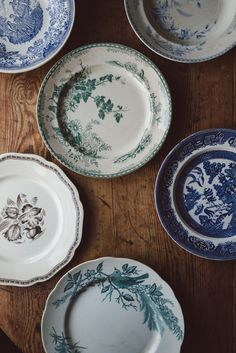 Shabby Chic Homes Vintage Plates, Home Interior, Home Kitchens, Dinnerware, Decorative Plates, Sweet Home, Shabby Chic, House Design, Dishes