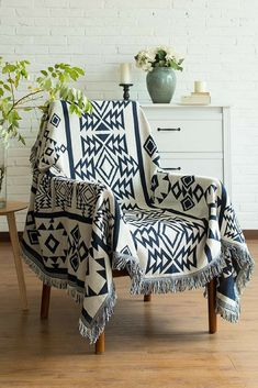 This signature throw blanket with aztec pattern is perfect for tossing over the couch or end of your bed. It also looks good simply hanging on the wall or used as a carpet.#throw #blanket #boho #home #decor