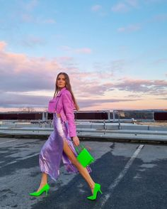 Crazy Outfits, Teen Girl Outfits, Purple Fashion, Colorful Fashion, Winter Fashion Outfits, Spring Outfits, Ropa Color Neon, Colour Combinations Fashion, Colourful Outfits