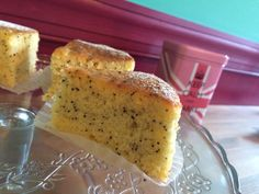 Lemon&Poppyseed Cake レモンとポピーシードのケーキ 250yen