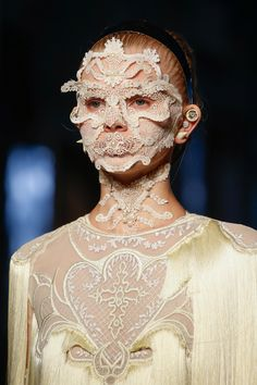 Givenchy Spring 2016 Ready-to-Wear Accessories Photos - Vogue