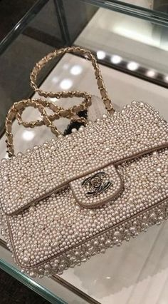 chanel handbags for women authentic Chanel Tote, Chanel Handbags, Fashion Handbags, Purses And Handbags, Fashion Bags, Cheap Handbags, Cheap Purses, Chanel Chanel, Fashion Mode