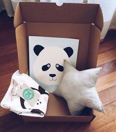 Pack quemonada body pintado a mano, cojín de estrella cosido a máquina y lámina panda pintado con acuarela y tinta