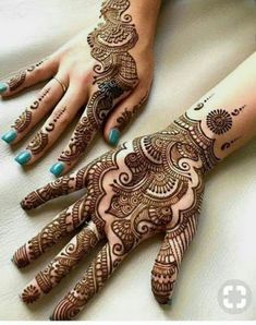 People having interest in fashion are much inclined towards the mehndi designs. If you are among beginners and love to try out different mehndi patterns and motifs then these easy mehndi designs are just perfect for you. Henna Hand Designs, Mehndi Designs Finger, Simple Arabic Mehndi Designs, Modern Mehndi Designs, Mehndi Design Pictures, Mehndi Designs For Fingers, Beautiful Mehndi Design, Henna Tattoo Designs, Mehndi Images