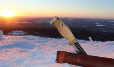 Bear 'Leuku' has a whopping 14,5 cm blade. Handle is also very massive. Carbon steel Blade's hardness is 59HRC.  Full tang  Curly birch handle with leather spacier and reindeer antler  http://puukkopaja.fi/index.php?lang=en