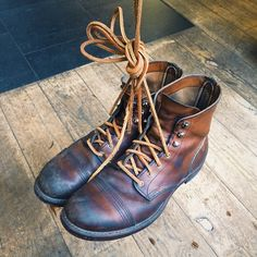 Robert of @twbastards his Red Wing Shoes 8112 Iron Ranger in Oro-iginal are looking strong! Nicely conditioned and worn with a pair of Red Wing Leather Laces. Do you often change the look of your boots with a different type of laces? | www.redwingamsterdam.com |