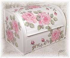 Shabby bread box. I don't have a bread box but I'd like to paint a small bedroom nightstand like this for a romantic bedroom.