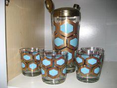 Retro Cocktail Shaker