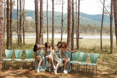 Outdoor Furniture, Outdoor Decor, White Sneakers, Couple Photos, Couples, White Tennis Shoes, Couple Shots, Couple Photography, Couple