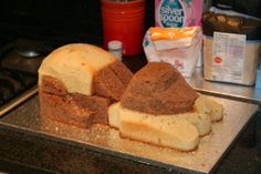 dog easy shape cake at DuckDuckGo Cake Decorating Techniques, Cake Decorating Tips, Dog Cakes, Cupcake Cakes, Puppy Birthday Cakes, Puppy Cake, Heart Shaped Cakes, Cake Pops How To Make, Cake Shapes
