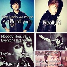 Yeah Green Day!!! Wooooooooo!!! <3 Green Day <3