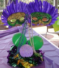 mardi gras mask aire filled balloon centerpiece