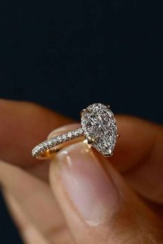 Teardrop diamond engagement ring #DiamondEngagementRingsimplebeautiful