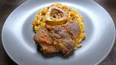 """Ossobuco is a specialty of meat that in the last few years has become something of a trend. It's a """"humble"""" piece of meat, that is nevertheless very tasty. Casserole, Steak, Pork, Tasty, Dishes, Recipes, Kale Stir Fry, Tablewares"""
