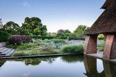 Berkshire — Dan Pearson Studio Love Garden, Water Garden, Plant Design, Garden Design, Dan Pearson, Formal Gardens, Garden Inspiration, Garden Landscaping, Landscape Design