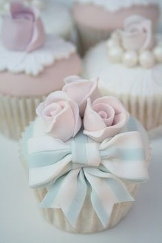 Blissfully Sweet 004 by Cotton and Crumbs. Cute for baby shower Flowers Cupcakes, Bow Cupcakes, Pastel Cupcakes, Pretty Cupcakes, Beautiful Cupcakes, Yummy Cupcakes, Gorgeous Cakes, Wedding Cupcakes, Cupcake Cookies