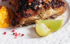 Pollo al horno marinado con cebollas, jugo de limón y mostaza  Foto:LA NACION